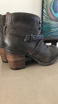 Hush Puppies boots for women size 6.5 Toronto, M2M 0A8