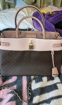 REDUCED PRICE !  Authentic Michael Kors satchel New Orleans, 70117