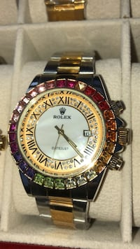 round gold-colored chronograph watch with link bracelet Brampton, L6T