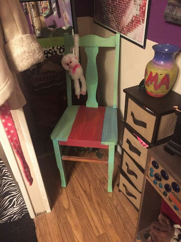min red and blue wooden chair