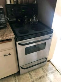 Apartment Size Stainless Steel Stove DELIVERY AVAI Surrey, V3W 0T9