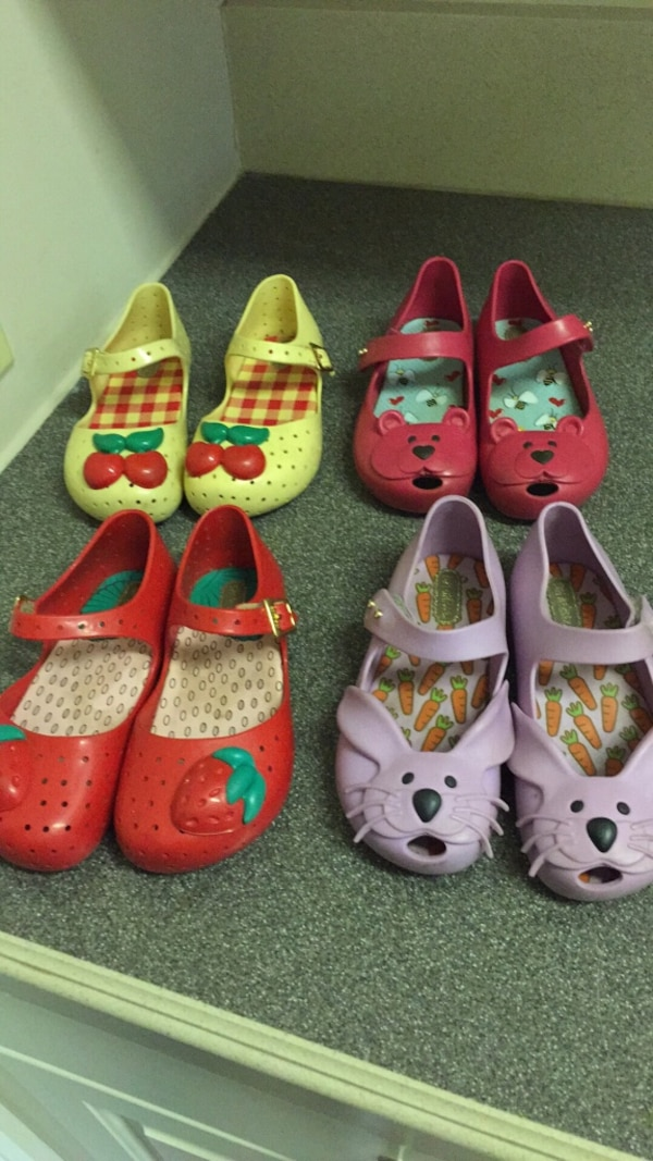 390e5e3b287a Used Mini melissa shoes in little girls size 9 for sale in Milton ...