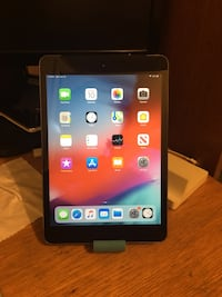 iPad Mini 2, 16GB, Space Gray, WiFi + Cellular Falls Church, 22042