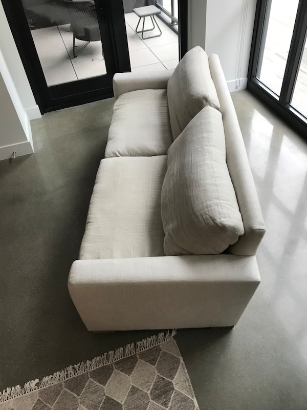 Maxwell upholstered sofa only Belgian linen - Restoration Hardware 598ccefd-5315-49b5-be47-2b7285a23ff2