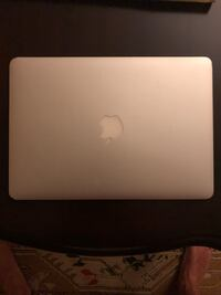 Macbook Air 13 inch 2015  Karşıyaka, 35550