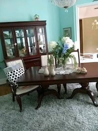 Dinning room set 6 chairs table and hutch but hutc Toano