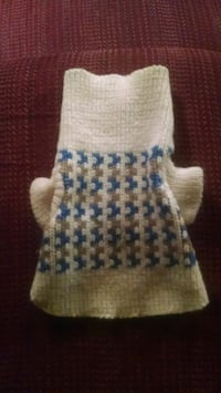 XS size 6 doggie sweater
