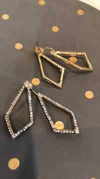 Fashion Gold tone earrings with crystal  Long Beach, 90807