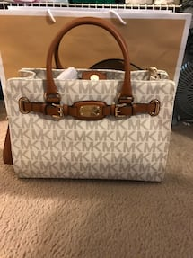 BRAND NEW MICHAEL KORS BAG WITH TAGS