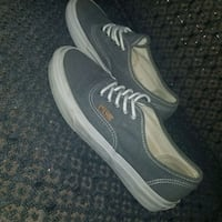 Rugged gret pair off the wall Vans size 5.5 mens 7 St. Louis, 63110