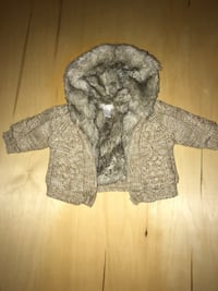Faux Fur lined knit sweater - never worn Mississauga, L5N 1X2