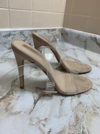 Size 6 heel Mississauga, L5A 3C1