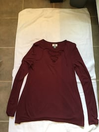 Old Navy burgundy long sleeve top, small - $10 Mississauga, L5L 5P5