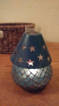 gray star pattern table lamp