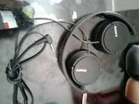 black Bose corded headphones with case Langley, V2Y