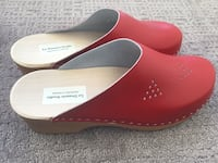 Women's brand new handmade red leather clogs by Le Dessein Studio, size 39 Vancouver, V6E 1J1