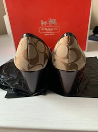 Size 5 women's coach shoes  Mississauga, L5B 4G7