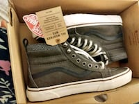 Vans unisex size 8.5, special for winter Toronto, M6G 2B9
