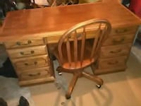 Solid oak desk and chair on casters* very heavy* Toledo, 43612
