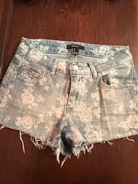 Blue Shorts and White Short With Studs Vaughan, L4J 8K6
