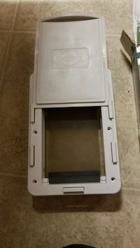 Easy fit pet door Welland, L3B 3B6