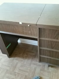 brown wooden single pedestal desk Longueuil, J4K 2W6