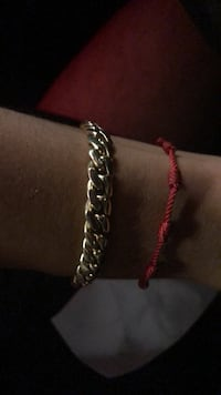 silver-colored chain bracelet Los Angeles, 90028