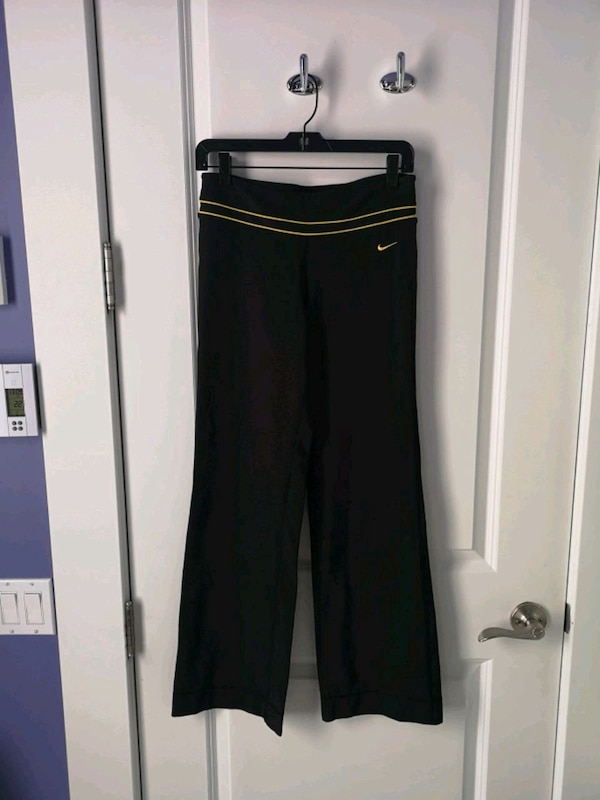 9c5e74315518b Used Nike Dri-Fit Yoga Workout Pants  Pantalons for sale in Montreal - letgo