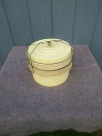 Antique Cake and Pie carry tin