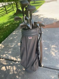 Set of righty golf clubs. See description for details