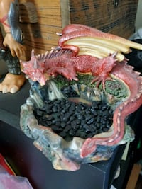 Dragon ashtray Toronto, M6K 2R8