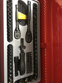Red and black Stanley snap-on tool chest  Montréal, H3S 2L5
