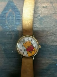 Winn the pooh floating bee leather watch Green Cove Springs, 32043