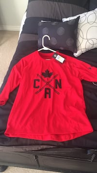 red and black Nike crew neck shirt Innisfil, L9S 0A4
