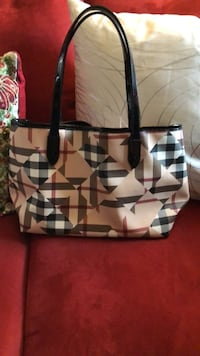 Burberry tote bag Greenbelt, 20770