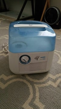 white and blue Vicks humidifier Springfield, 22153