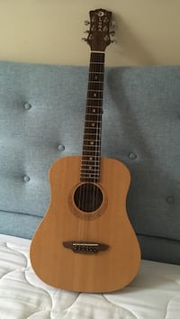 Luna Guitar- excellent condition with soft case. Bought for 375.00 Arlington, 22206