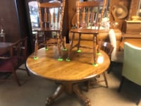 """""""Like New Clawfoot Table & 4 Chairs Rossville, 30741"""