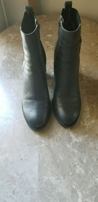Booties. Tommy  Hilfiger. Size 8 1/2 Bothell, 98012