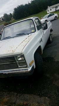 1984 Chevrolet half ton 4 wheel drive 8 Stephens City, 22655