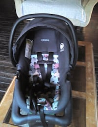 baby's black and gray car seat carrier Georgina, L0E