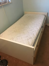 Twin bed with mattress set Westminster, 92683