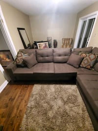 L shaped sectional couch  Milton, L9T 4R1