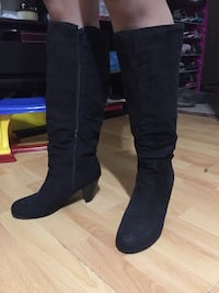 Size 8 Black suede boots Prince Albert, S6V
