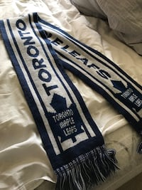 Toronto maple leafs scarf St Catharines, L2R