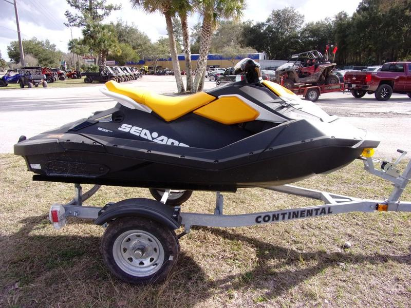 Photo 2018 Sea-Doo SPARK® 2-up Rotax 900 HO ACE iBR® & CONV