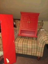 Candy apple red cabinet and shelf St. Catharines, L2W 1B2
