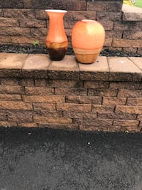 Two vases for 15 $ Hauppauge, 11788