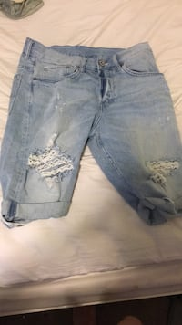 H&M distressed shorts White Bear Lake, 55110