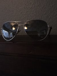 silver-colored framed Aviator-style sunglasses Los Angeles, 91331